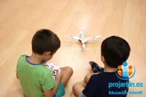 FB IMG 1577373635465 300x200 - Temático especial  Robótica y Drones