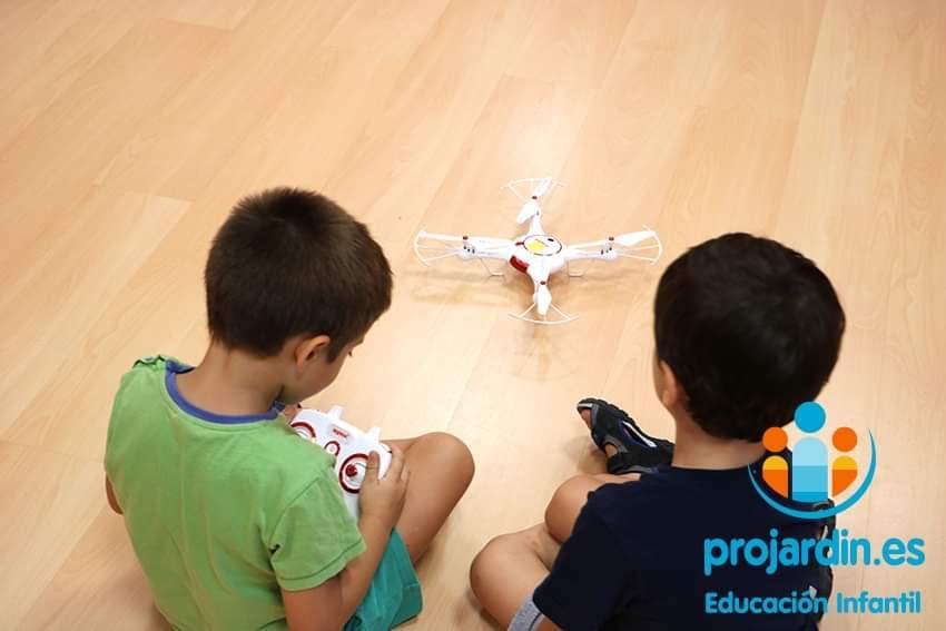 FB IMG 1577373635465 - Temático especial  Robótica y Drones