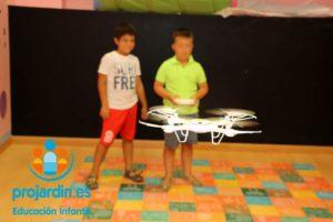 FB IMG 1577373641823 300x200 - Temático especial  Robótica y Drones