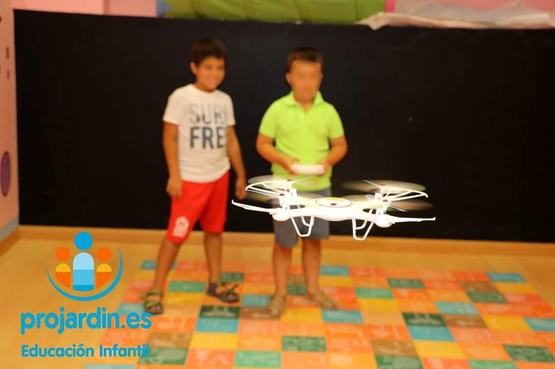 FB IMG 1577373641823 - Temático especial  Robótica y Drones