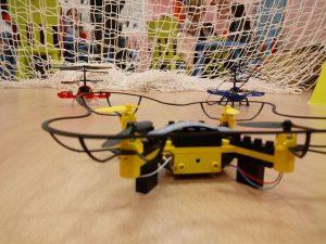 z 20180305 190548 96786 300x225 - Temático especial  Robótica crea DRONES