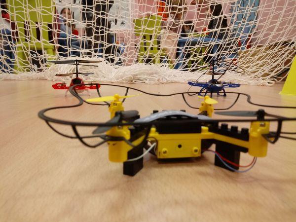 z 20180305 190548 96786 - Temático especial  Robótica crea DRONES