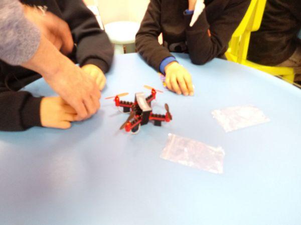 z monta drnes 10349 - Temático especial  Robótica crea DRONES