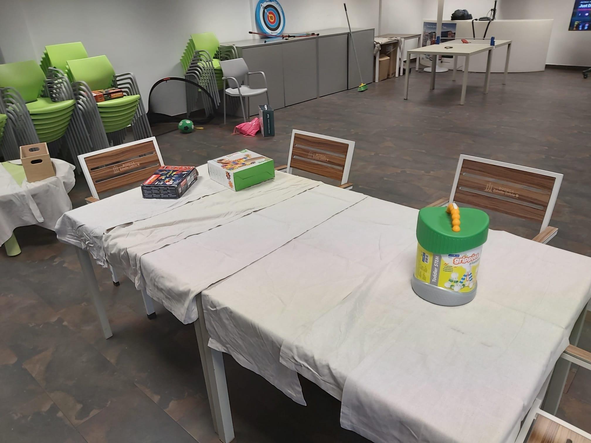 mesa - Urbanización Santo Domingo (Algete)